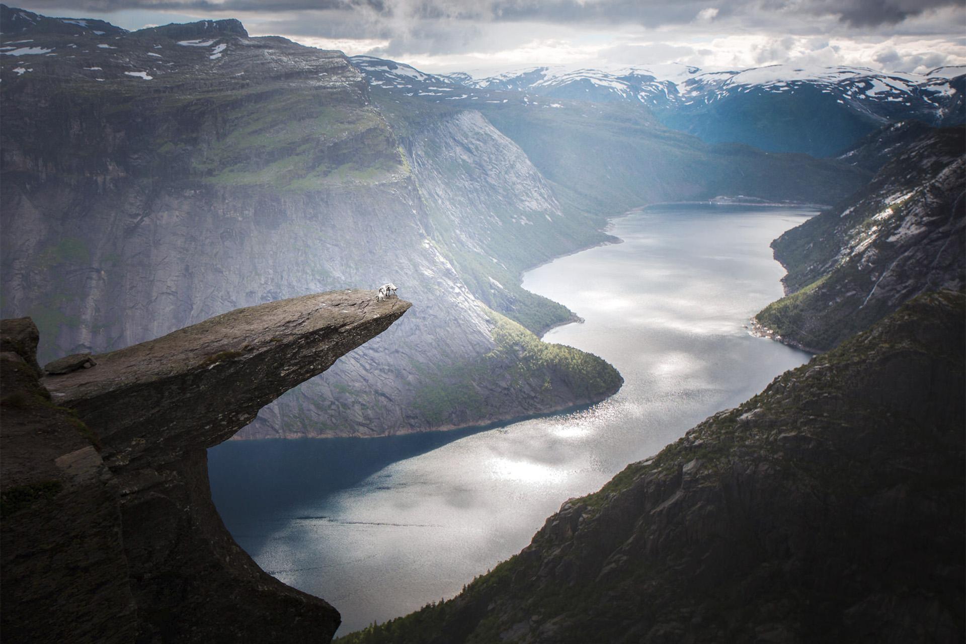 Collie_fjord_cliff